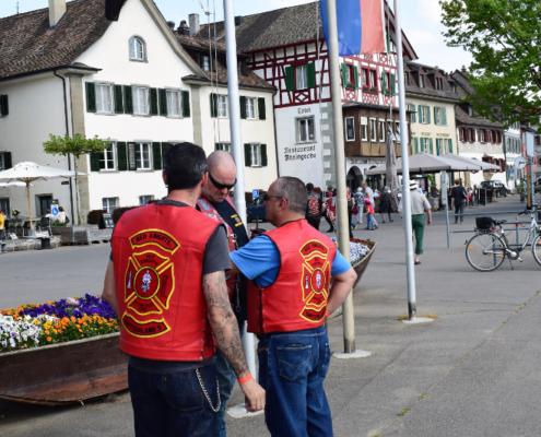 Fotografie Red Knights Germany 1 Visit CH 1 Ausflug CH-Member Bulldog Du hast da was