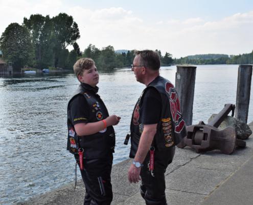 Fotografie Red Knights Germany 1 Visit CH 1 Ausflug Heizer und Paul diskutieren