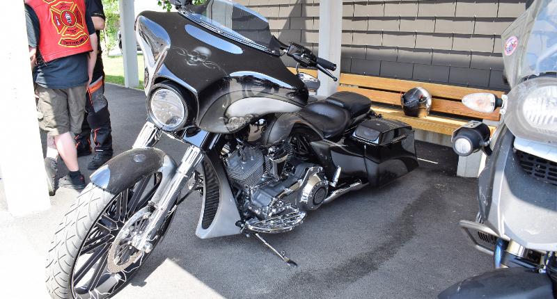 Fotografie Red Knights Germany 1 Visit CH 1 Harley Davidson 110 Jogi Samsung