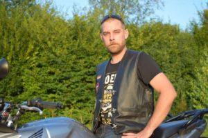 foto redknights germany1 member marselle prospekt auf motorrad quer nah